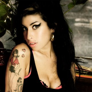 20121129162442-amy-winehouse-cantante.jpg