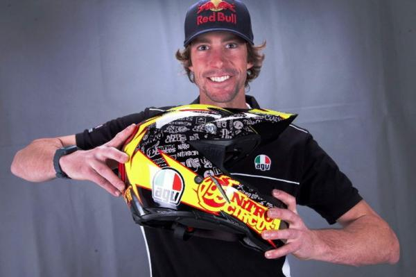 20140509085648-agv-ax-8-travis-pastrana-th-2.jpg